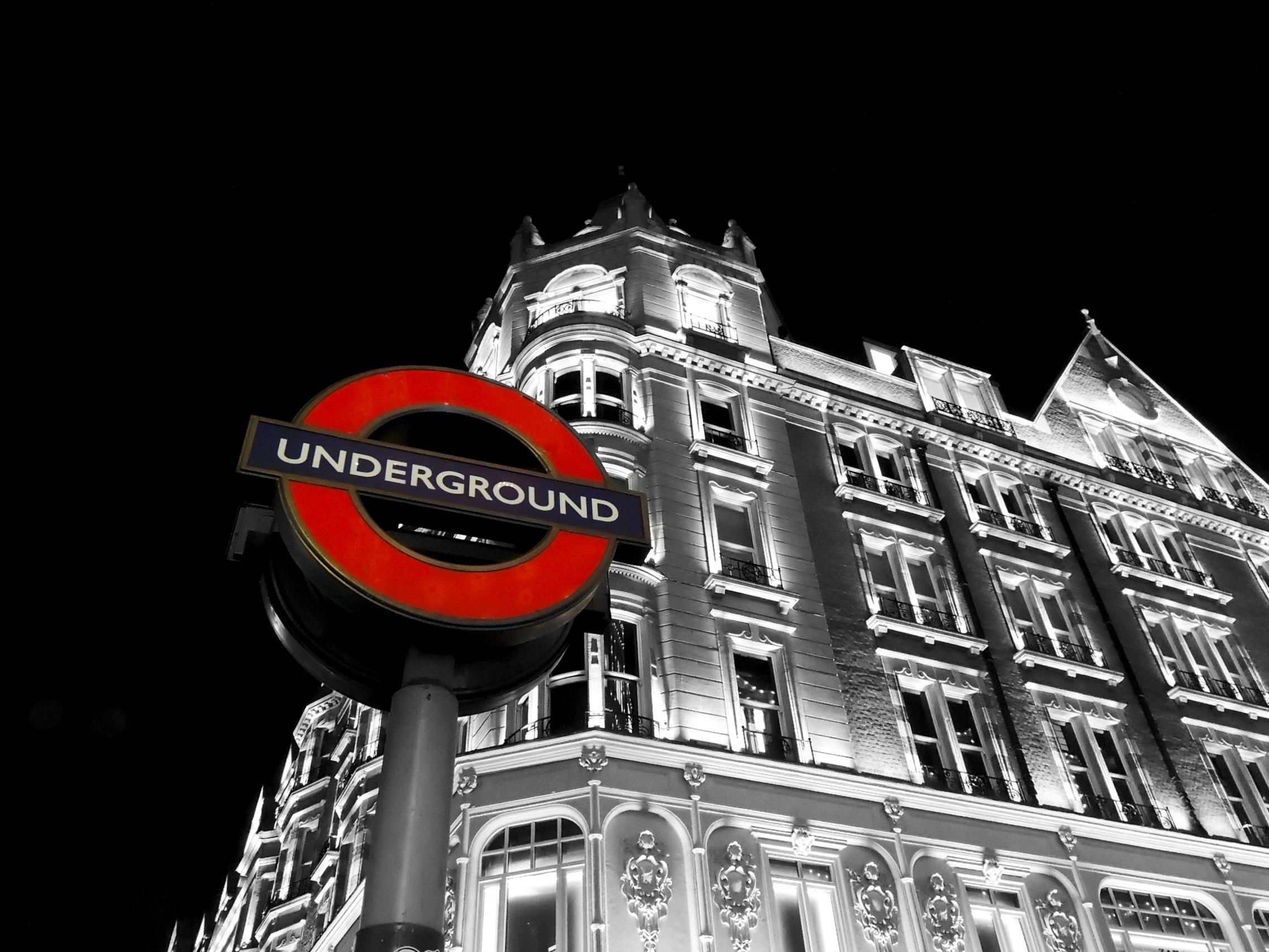 london-underground-selective-coloring